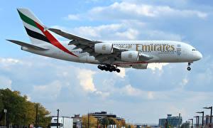 Обои Самолеты Пассажирские Самолеты Небо Полет Airbus A380-800 Авиация фото