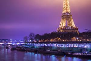 Обои Франция Лодки Побережье Эйфелева башня Париж Ночь Города фото