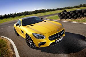 Обои Mercedes-Benz Желтая 2015 AMG GT S AU-spec авто