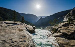 Обои США Горы Камни Вода Парки Солнце Йосемити Nevada Fall Природа фото