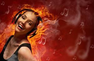 Картинки Огонь Наушники Улыбка Лицо Смех Девушки