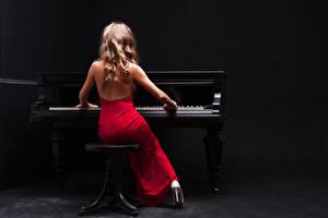 Картинки Фортепиано Платье Сидящие Девушки