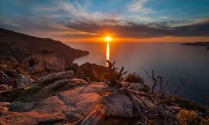 Обои Пейзаж Рассветы и закаты Озеро Побережье Камни Природа фото