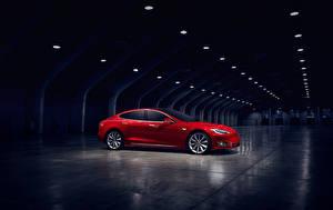 Фотографии Tesla Motors Красный Сбоку Model S Машины