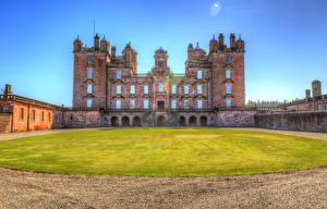 Фото Великобритания Замки Газон HDRI Drumlanrig Castle Города