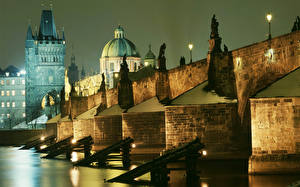 Картинка Чехия Прага Мосты Карлов мост Ночью Башни город