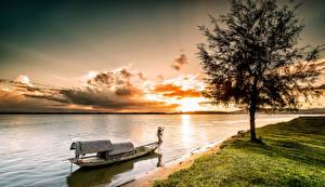 Обои Реки Рассветы и закаты Лодки Вьетнам Деревья Залив Vinh Природа фото