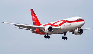 Обои Самолеты Пассажирские Самолеты Полет Boeing 767-241 Авиация фото