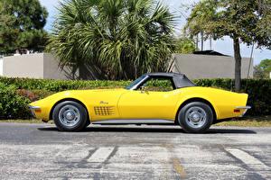 Фотография Шевроле Старинные Желтый Сбоку 1971 Corvette Stingray LS6 454-425 HP Convertible Автомобили