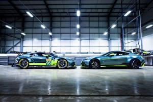 Фотография Aston Martin Стайлинг Вдвоем Сбоку 2016 Vantage GT8 автомобиль