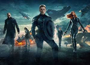 Фотография Капитан Америка герой Мужчины Chris Evans Scarlett Johansson Щит Captain America: The Winter Soldier Фильмы Знаменитости Девушки
