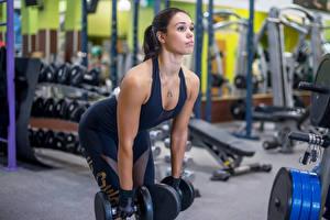 Фотографии Фитнес Гантели Спортзал Тренировка Спорт Девушки