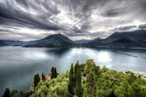 Обои Италия Пейзаж Озеро Горы Небо HDR Castello di Vezio Природа фото