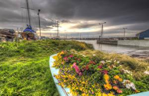 Обои Шотландия Побережье Причалы Корабли Бегония Небо HDR Трава Monans Harbour Природа фото