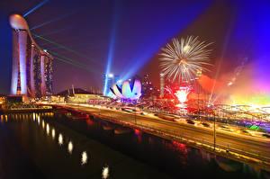 Обои Сингапур Салют Дороги Мост В ночи Marina Bay Sands Города