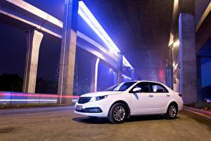 Обои Белых Авто 2015 GC7 Vision