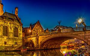 Картинки Бельгия Дома Речка Мост Гент Ночью Уличные фонари город