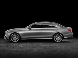 Фотографии Mercedes-Benz Сбоку AMG E-Class W213 Машины