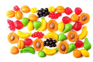 Обои Сладости Фрукты Бананы Малина Абрикос Fruit jelly candies Еда