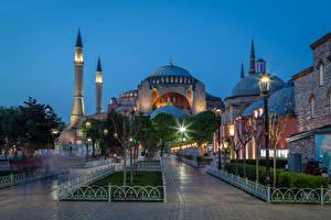 Обои Турция Храмы Вечер Стамбул Ночь Уличные фонари Hagia Sophia Города фото
