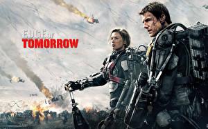 Обои Том Круз Эмили Блант Мужчины Воины Edge of Tomorrow 2014 Фильмы Знаменитости Девушки