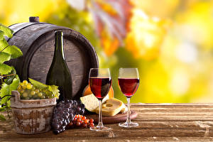 Картинка Напиток Вино Виноград Бочка Сыры Бутылки Бокал Пища