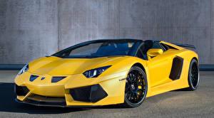 Фотографии Lamborghini Желтые Aventador LP700-4 Автомобили
