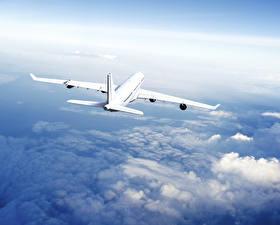 Обои Самолеты Пассажирские Самолеты Небо Полет Облака Авиация фото