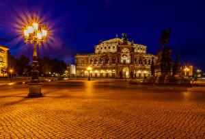 Фотографии Дрезден Германия Здания Памятники Ночью Уличные фонари город