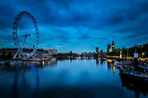 Обои Великобритания Речка Здания Причалы Катера Лондон Колесо обозрения Ночь Westminster Города