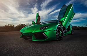 Фотографии Lamborghini Зеленые Aventador машина