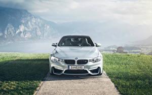 Фото BMW Спереди Белая M4 авто