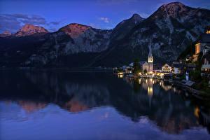 Картинка Австрия Дома Горы Озеро Халльштатт Ночь Города