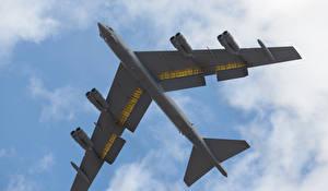 Обои Самолеты B-52H Stratofortress