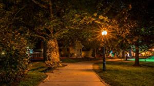 Фотография Хорватия Дома Загреб В ночи Уличные фонари Деревьев Скамейка Samobor город
