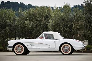 Обои Chevrolet Старинные Белый Сбоку 1960 Corvette 283-245 HP Авто