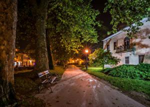 Фотографии Хорватия Здания Загреб Улица Ночь Уличные фонари Скамья Ствол дерева Samobor Города
