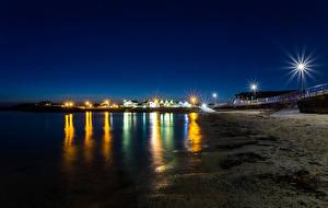 Обои Великобритания Побережье Ночь Уличные фонари Trearddur Bay Природа фото