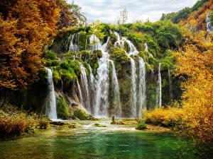Обои Хорватия Парки Водопады Осень Plitvice National Park Природа фото