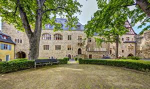 Фото Германия Замки Кустов Скамья Ствол дерева Деревья Burg Alzey город