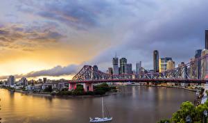 Обои Австралия Дома Речка Мосты Парусные Небо Рассветы и закаты Chinatown Queensland Города
