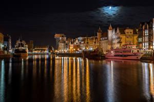 Фотографии Польша Дома Реки Пристань Корабли Гданьск Ночные Луна