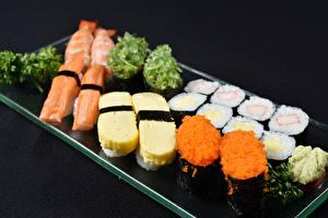 Обои Морепродукты Суши Черный фон Еда фото