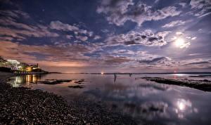 Фотография Великобритания Пейзаж Берег Небо Ночью Облака Луна Lymington Природа