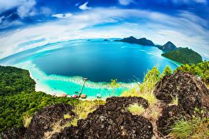 Фотография Малайзия Тропики Берег Небо Море Утес Сверху Bohey Dulang Island
