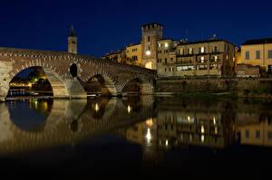 Фото Италия Речка Дома Мосты Верона Ночь Ponte Pietra Города
