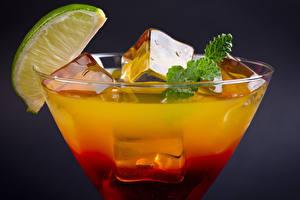 Фотографии Коктейль Крупным планом Напитки Мохито Бокалы Льда Продукты питания