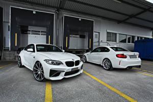 Картинка BMW Две Белых dAHLer M2 F87 Coupe Автомобили