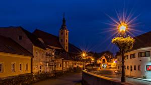 Картинка Хорватия Здания Загреб Улица В ночи Уличные фонари Samobo Города