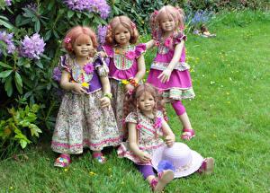 Картинки Парки Кукла Девочки Платья Трава Шляпы Grugapark Essen Природа